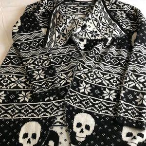TORRID 0 Skulls Cardigan Black White Halloween